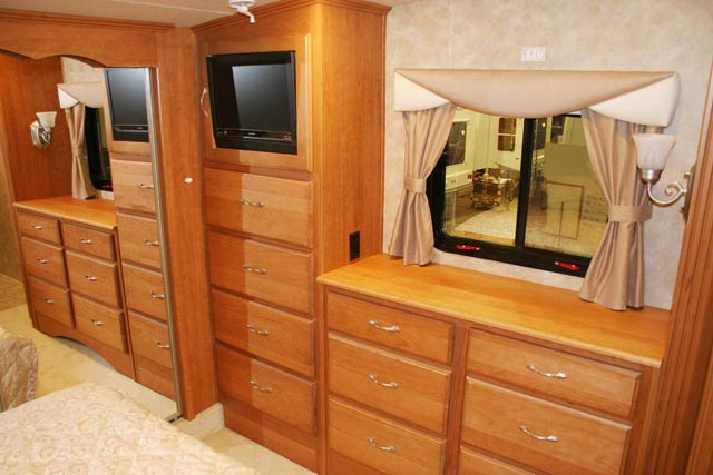 Top Bedroom Entertainment Dresser 640 x 427 · 41 kB · jpeg